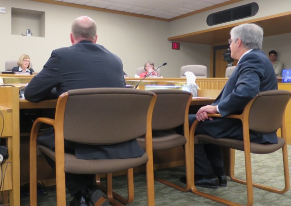 Senator Shields and Representative Bentz testifying before Oregon's Senate Committee on Rules